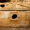 Путешествие по Турции: гробница одного из влиятельных жителей у входа в Олимпос